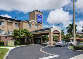 Enjoy your stay at the Sleep Inn at Miami International Airport under the shade of the palm trees. The Sleep Inn is located adjacent to the Miami airport.